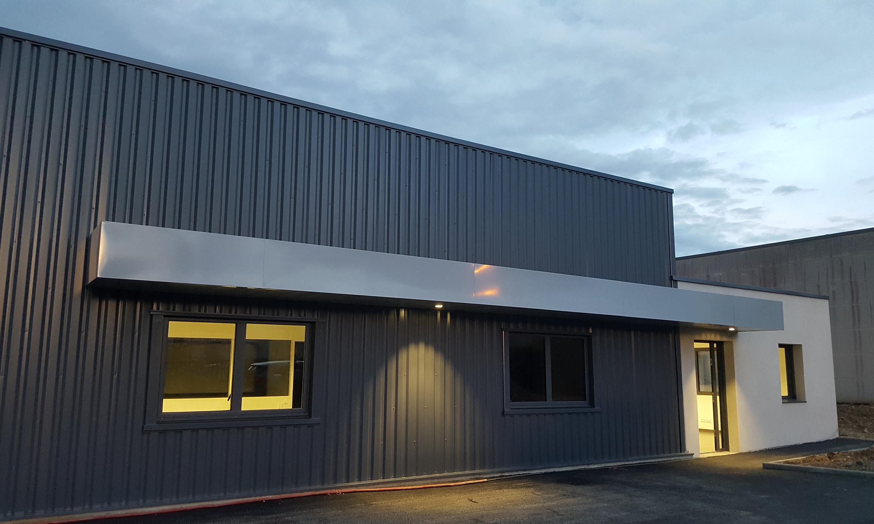 Facade batiment industriel architecte batiment industriel for Plan de batiment industriel